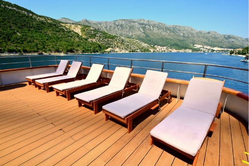MS Equator, sundeck