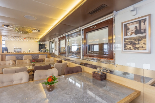 MS Sea Swallow, dining area