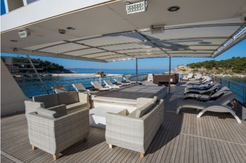 MS Diamond sundeck