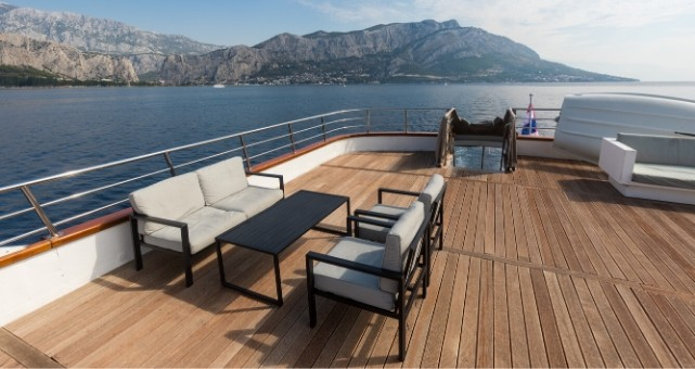 MS Premier upperdeck lounge, Cruise Croatia