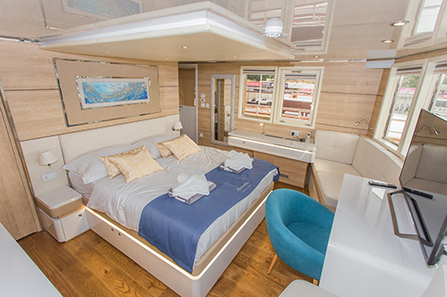 MV Riba double cabin