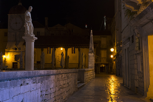 trogir old city by night