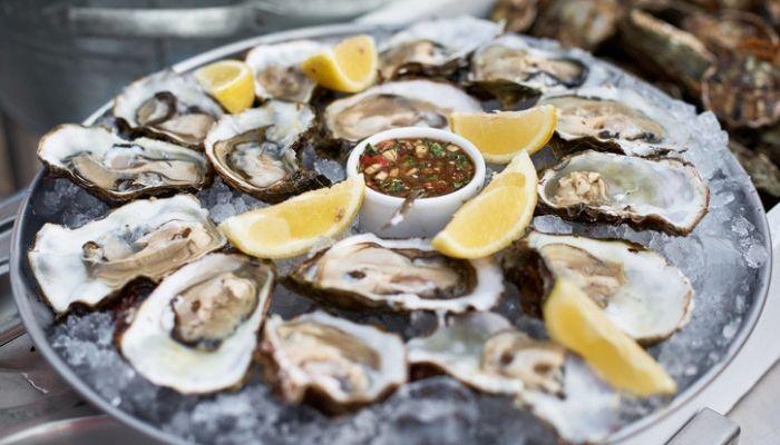 Cruise Croatia, Oysters, Ston, Croatia