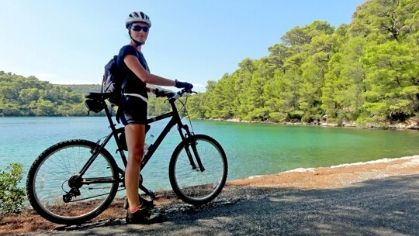 Cycling round Mljet lakes