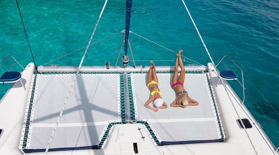 catamaran trampoline