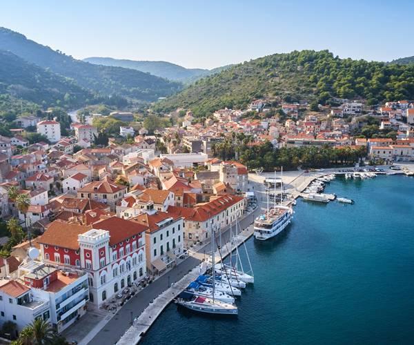 Sailing in Croatia in April