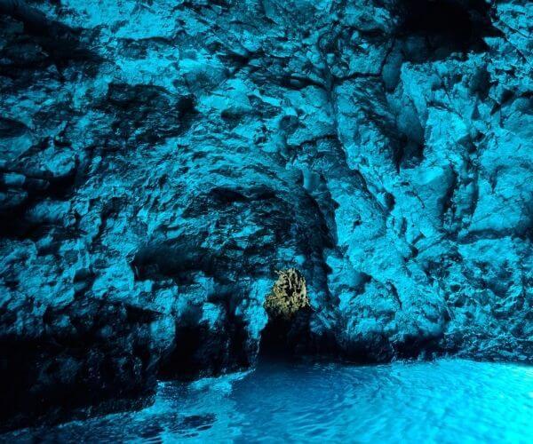 The Blue Cave Vis